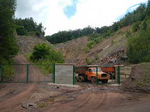 Photo: Nový plot a s ním i nový pohled na lom (stav 14.7. 2012)