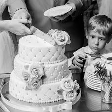 Wedding photographer Ekaterina Tolstyakova (Katrin694). Photo of 04.09.2017