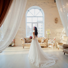 Wedding photographer Dmitriy Sapozhnikov (Sapojnikov). Photo of 23.12.2014