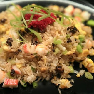 松露炒饭 Black Truffles Fried Rice – the ultimate luxury fusion.
