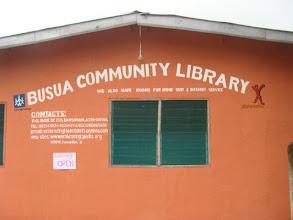 Photo: la nouvelle bibliothèque de Busua, western region, Ghana bravo Eben !