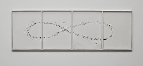 Photo: Infinito 2014 Acrílico sobre 4 papeles de acuarela enmarcados individualmente Y colocados juntos en una hilera 81.5 x 246 cm