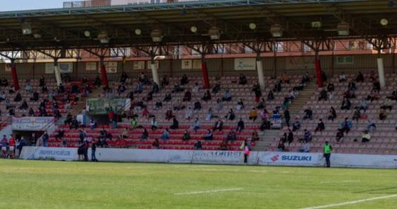 Ilusión teñida de rojo y blanco en un Estadio Juan Rojas con su afición