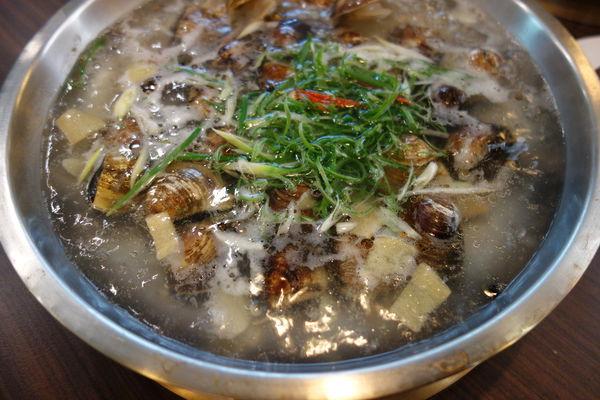 廚房有雞 台南第一家正宗花雕雞一鍋三吃 廣東經典菜!!