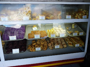 Photo: Baguio - delicious and cheap cakes