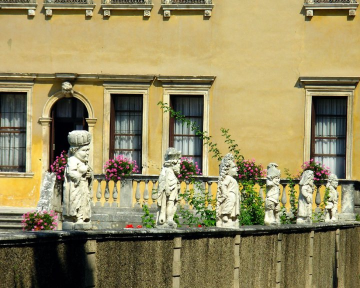 Villa Valmarana ai Nani di miez