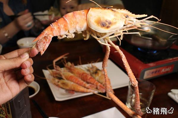 現撈現烤活跳泰國蝦、台灣鯛,暖胃招牌剝皮辣椒雞湯必點~大心鹽烤