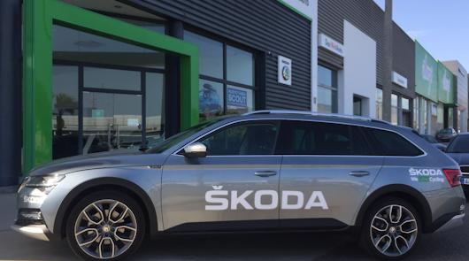Saveauto presenta el Skoda Superb, coche oficial de la XV Titan Desert