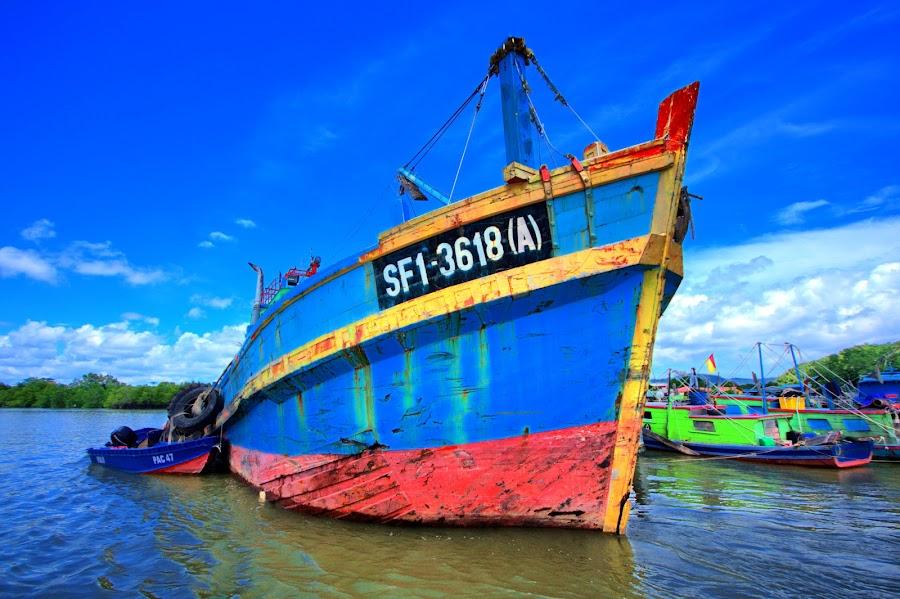 Kapal by Bani Hasyim - Transportation Boats