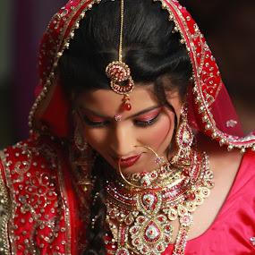 by Bharat Dudeja - Wedding Bride ( hindu, female, wedding, beautiful, brde, indian, jewelry, traditional, marriage,  )