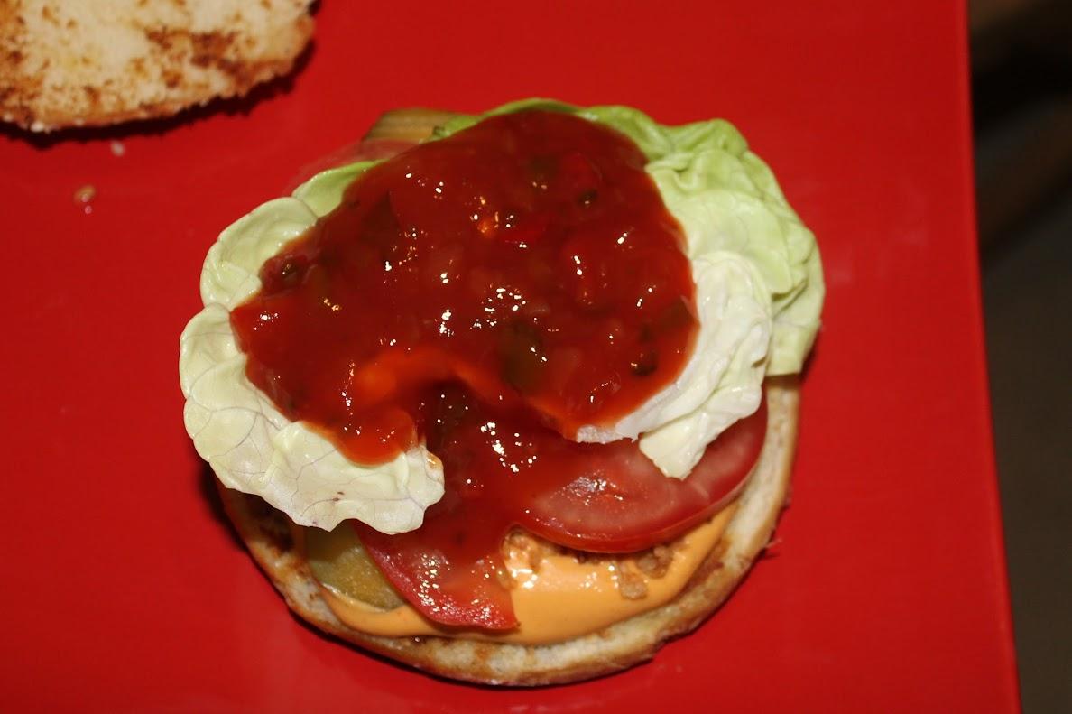 vegane burger mit seitan baked bean patties veganit ten. Black Bedroom Furniture Sets. Home Design Ideas