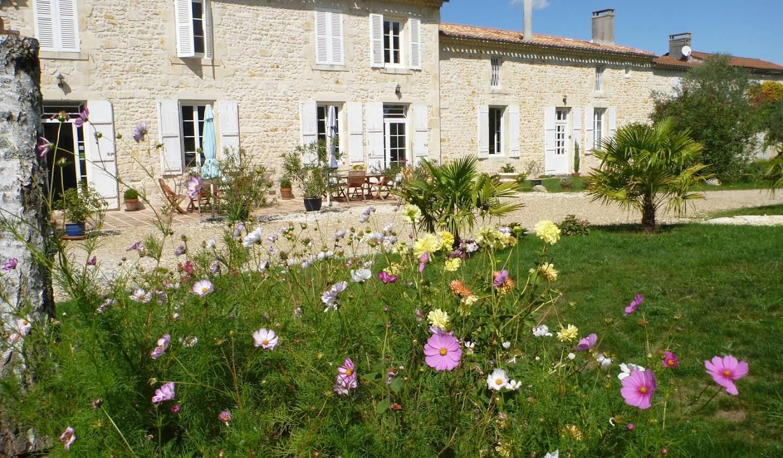Maison avec piscine et terrasse Lesparre-Médoc