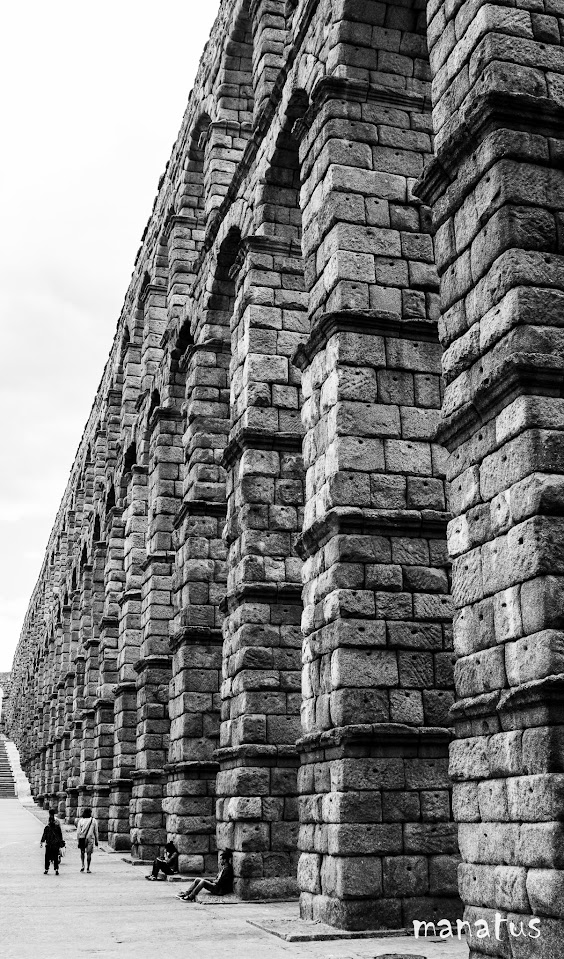 manatus foto acueducto de segovia