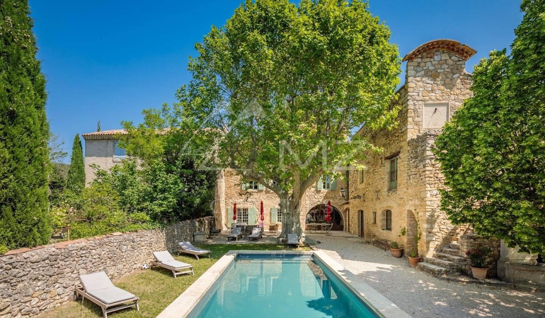Propriété avec piscine Peypin-d'Aigues