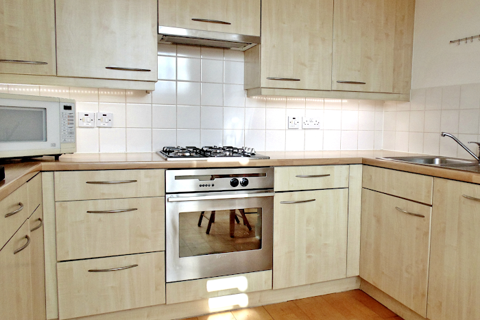 Fully equipped kitchen at King's Cross Deluxe