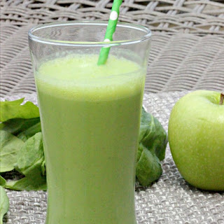 Apple Spinach Green Smoothie