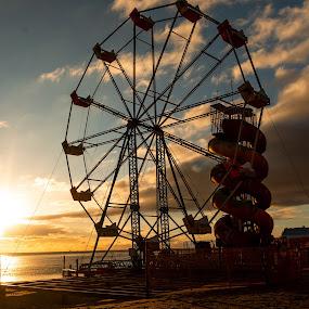by Darren Cocking - City,  Street & Park  Amusement Parks