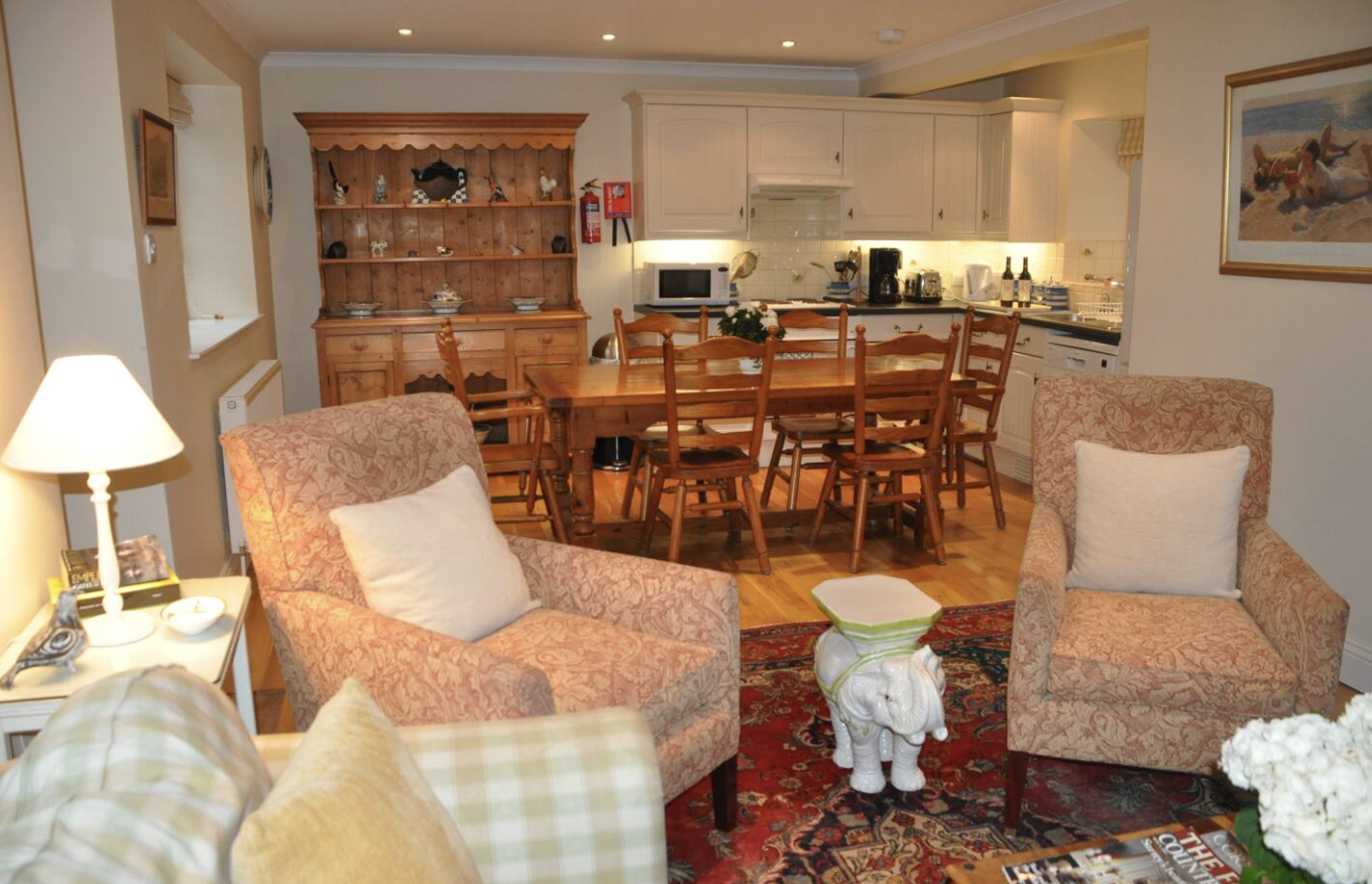 Open plan living area Hyde Mill Cottage