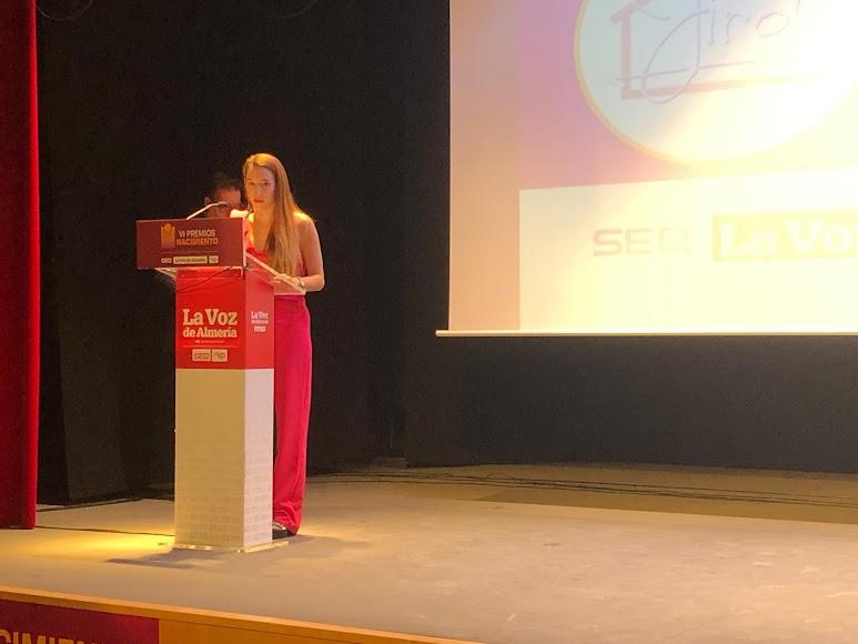 Premio Economía para Casas Rurales La Jirola. Recoge Nuria Gómez.