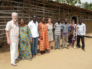 Photo: le corps-enseignant et notre délégation
