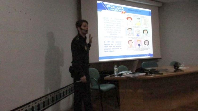 Desarrollo de uno de los talleres en el Hospital de Poniente.