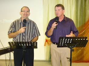 Photo: 2011 első nyári vasárnapján Lee Shipp, a School of Christ International kelet-európai igazgatója és a luisiannai First New Testament Church vezető pásztora volt vendégünk családjával és szolgálócsapatával