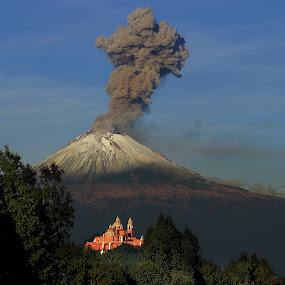 Raging  Popocatepetl by Cristobal Garciaferro Rubio - Landscapes Mountains & Hills ( cholula, volcano, popo, mexico, puebla, popocatepetl, snowy volcano, smoking volcano )