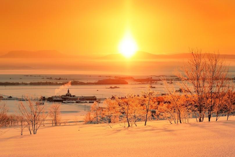 厳寒の朝日