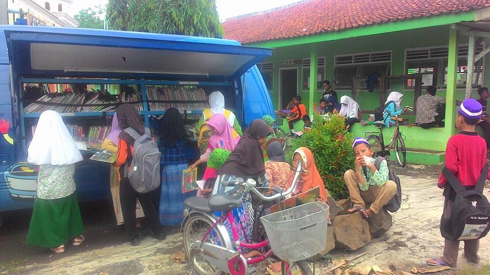Minat masyarakat terhadap perpustakaan desa