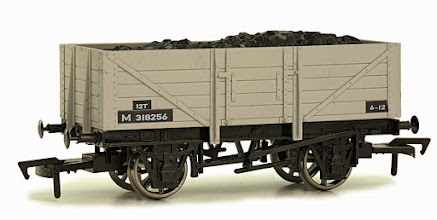 Photo: 4F-051-015  5 Plank Wagon