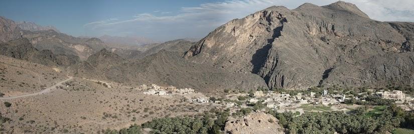 Blick auf Al Hajir unterhalb des Al Hoota Passes