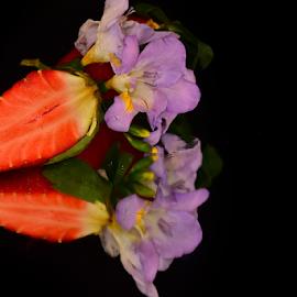 strawberry end flower by LADOCKi Elvira - Food & Drink Fruits & Vegetables ( nature, plants, fruit, garden, flower )
