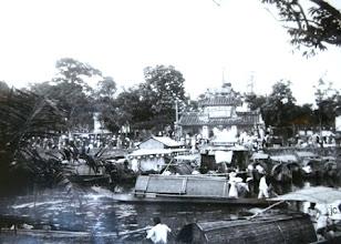 Photo: Lễ hội trên đoạn sông Phủ Cam