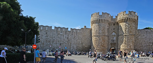 Photo: Rhodos oude stad   Rhodes old town.  www.loki-travels.eu