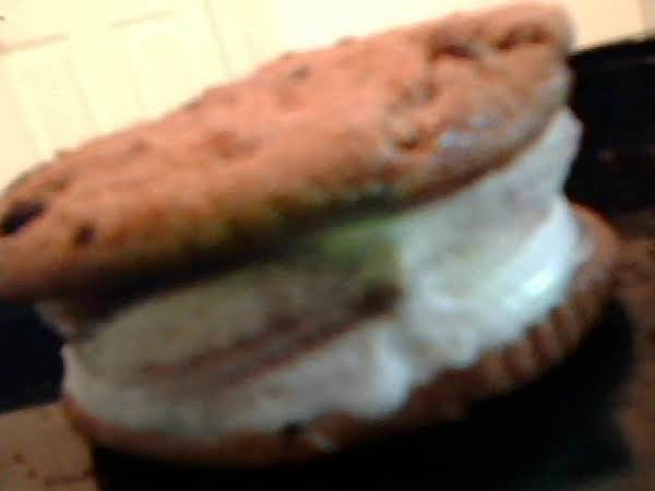 Tammi's Ice Cream Sundae Sandwich Recipe