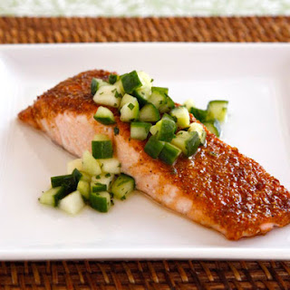 Spice Broiled Salmon with Green Apple Salad