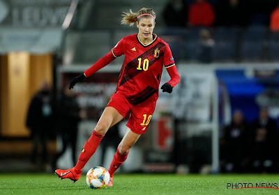 """Belgian Red Flame kon na heel wat problemen eindelijk terug naar haar club: """"Eindelijk wat goed nieuws"""""""