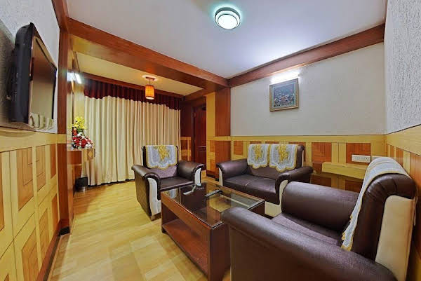 Ponmari Residencyy