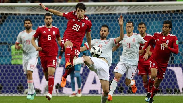 Sergio Busquets en el partido contra Irán.