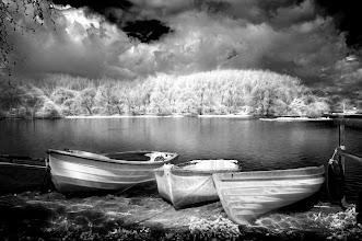 Photo: Lakeside (Clive Haynes)