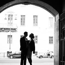 Wedding photographer Yana Bulgakova (yankefamssen). Photo of 13.09.2017