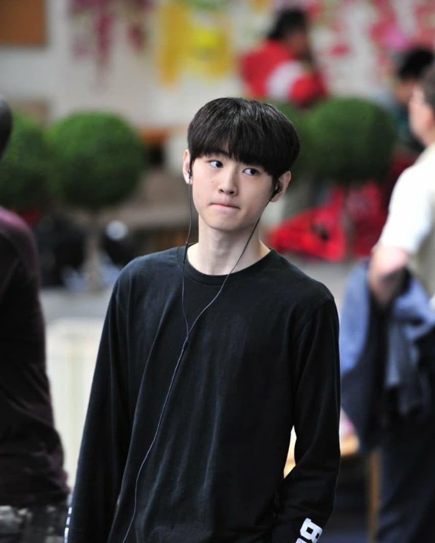 sunghoon pre debut