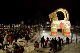 Photo: The inauguration of the Gävle goat 2010 gathered huge masses of people to celebrate the occasion