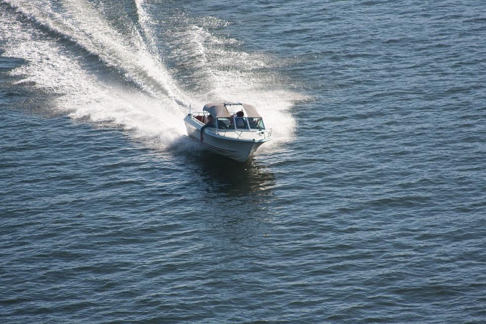 boating-271769_960_720.jpg
