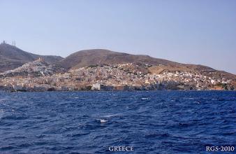 Photo: Segelturn-Griechenland-2010, Ermoupoli ist die Hauptstadt auf der Insel Syros