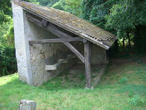 Photo: 78_La Verrière. Sans eau, un lavoir pour le nettoyage à sec !