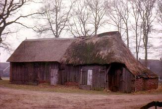 Photo: oude schaapskooi, wordt gerenoveerd