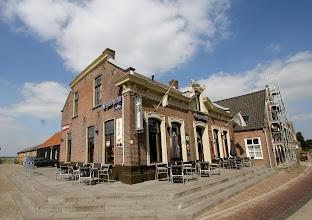 Photo: Serie Op Cafe. Cafe Het Vermaak Raamsdonk. Tekst en foto's Leon Krijnen