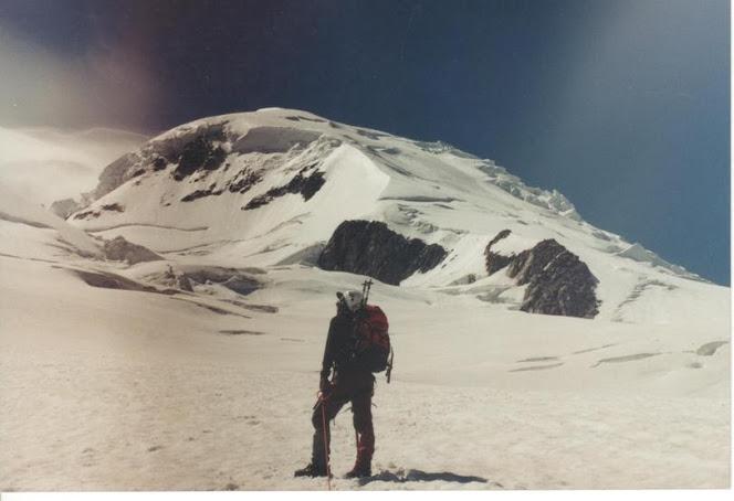 Manu no glaciar des Bossons, baixo o Dome du Gouter