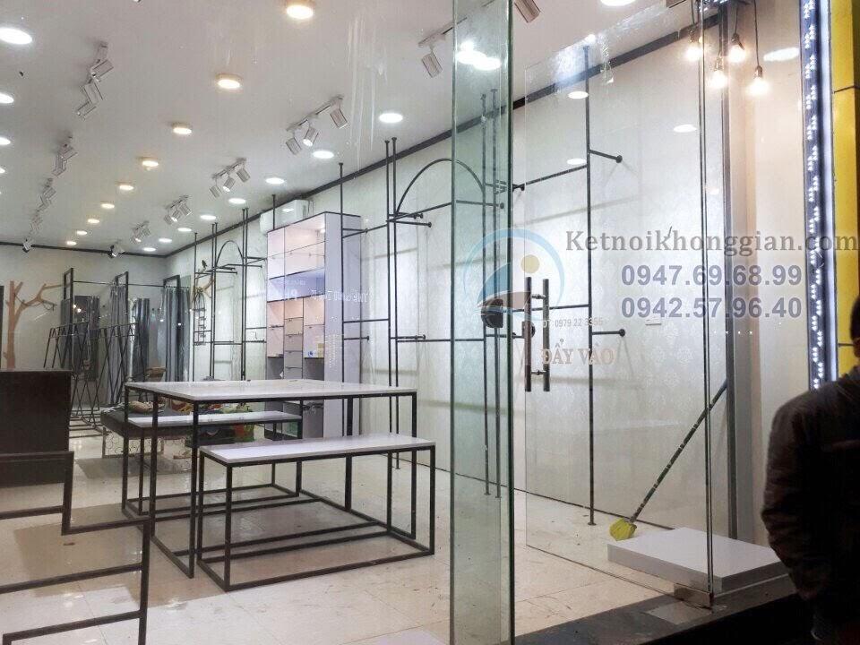 thiết kế thi công shop thời trang công sở